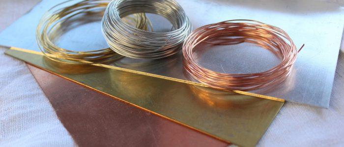 3 Verschiedene Metalldrähte