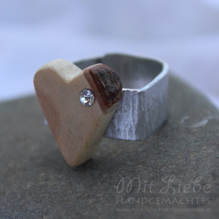 Ring Sweet Wooden Heart